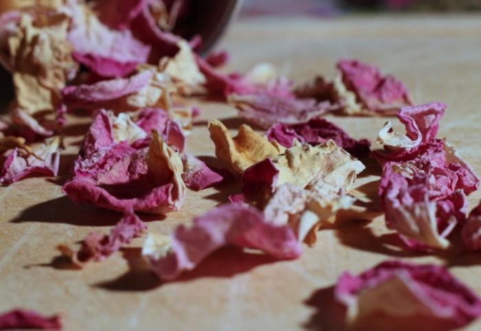 Comment faire sécher les pétales de rose